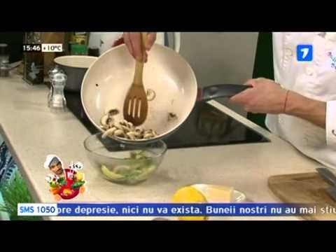 Salata de ciuperci cu usturoi si verdeturi