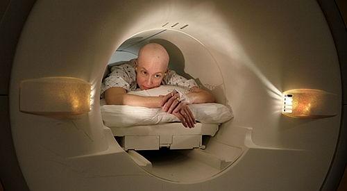 cancer testicular la copii)
