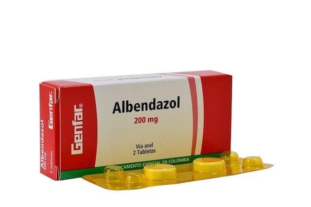 dosis de albendazol para oxiuros