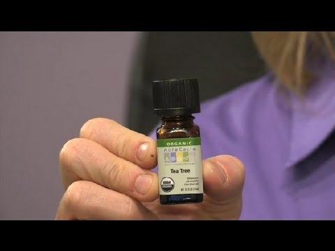 10 motive pentru care ar trebui sa folositi uleiul de arbore de ceai pe piele