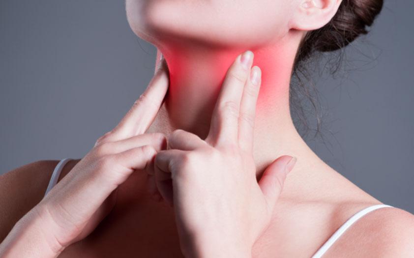 Cancer faringian. Simptome care te anunță că trebuie să mergi la medic | DCNews